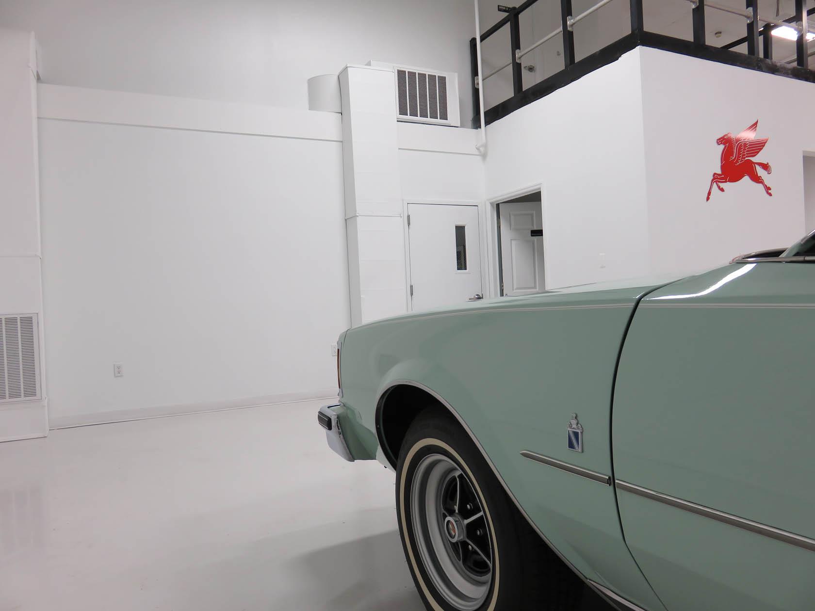Michael Esposito - 1974 Oldsmobile Cutlasss Supreme 283