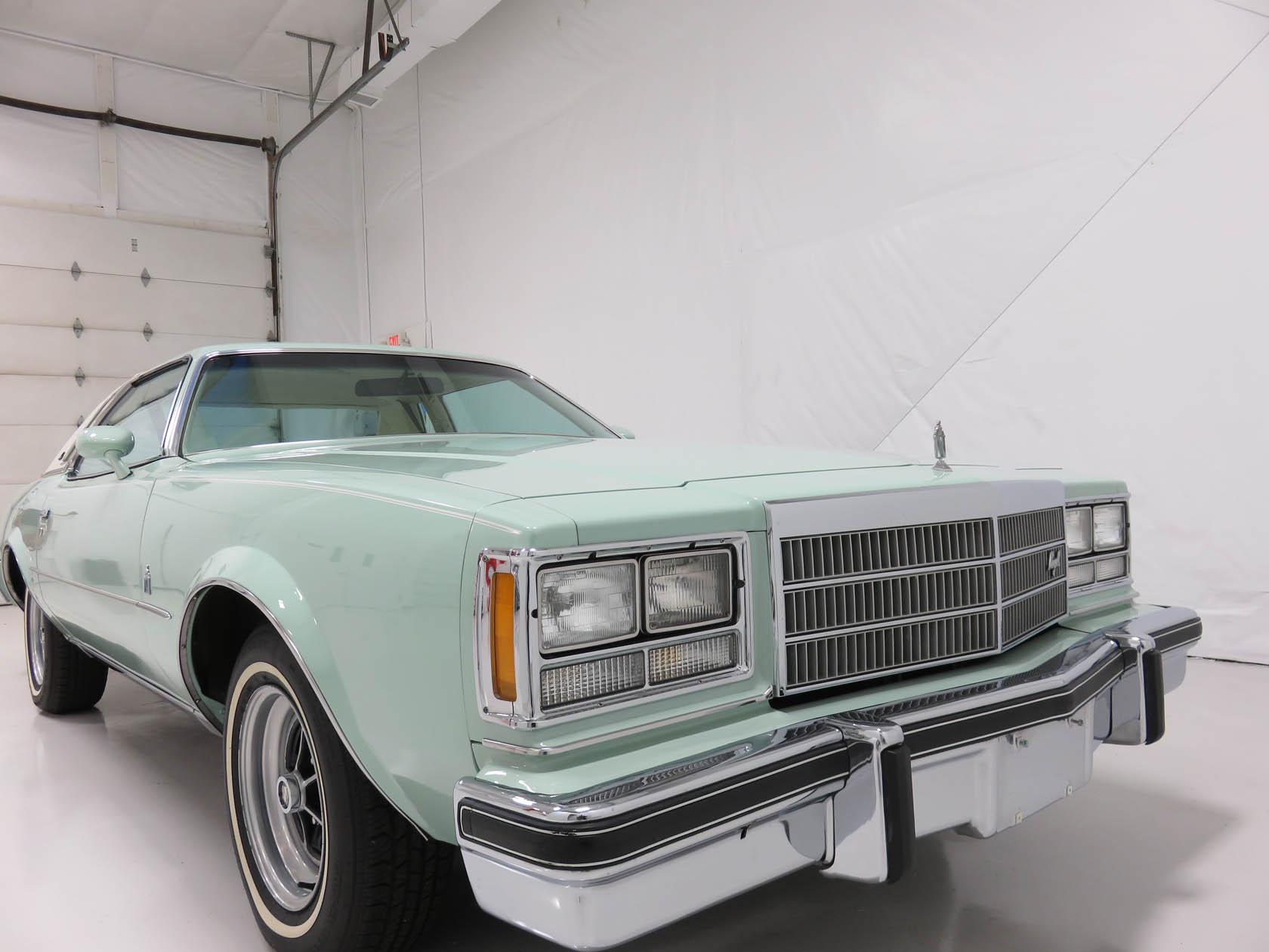 Michael Esposito - 1974 Oldsmobile Cutlasss Supreme 297