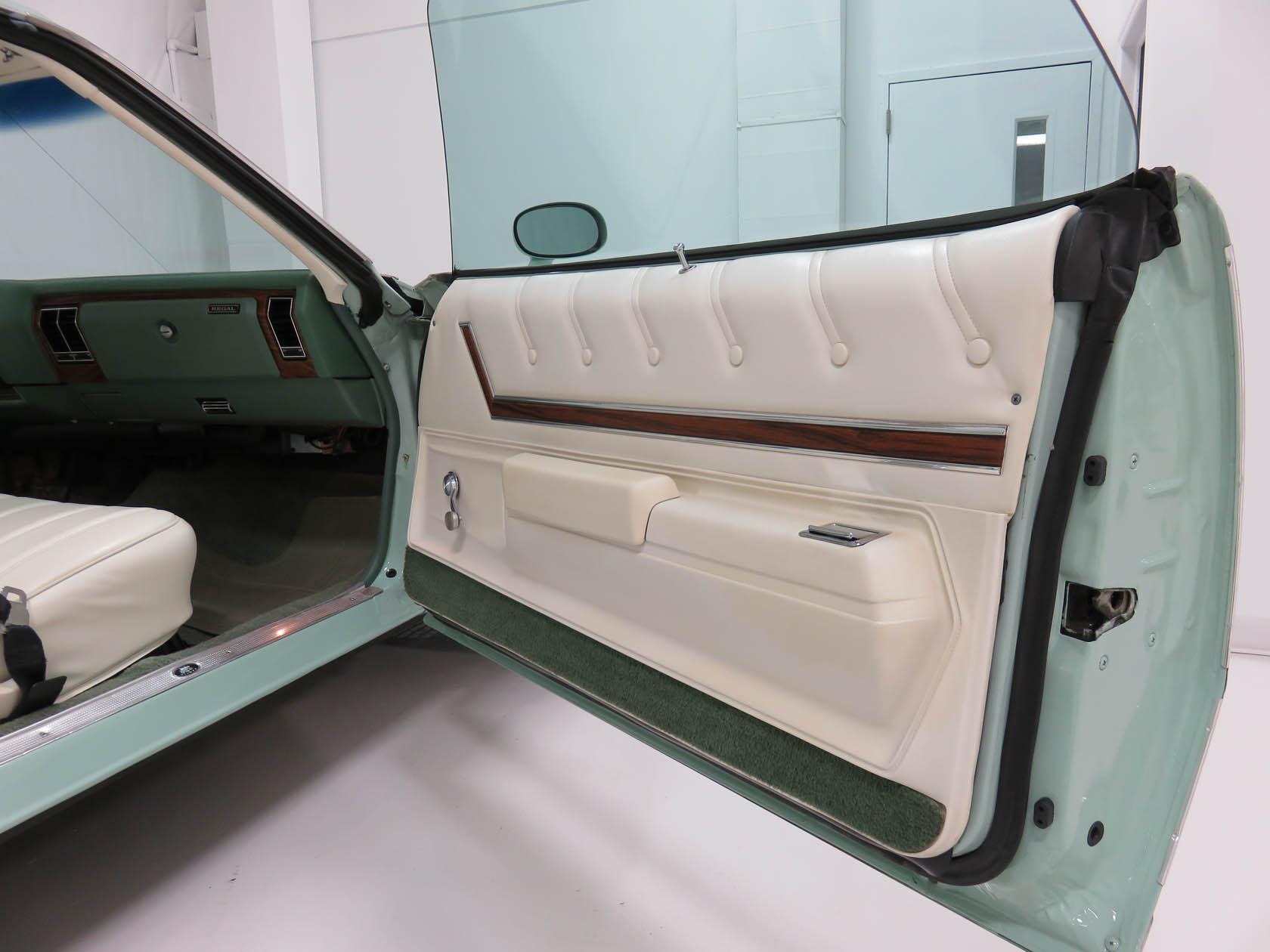 Michael Esposito - 1974 Oldsmobile Cutlasss Supreme 427