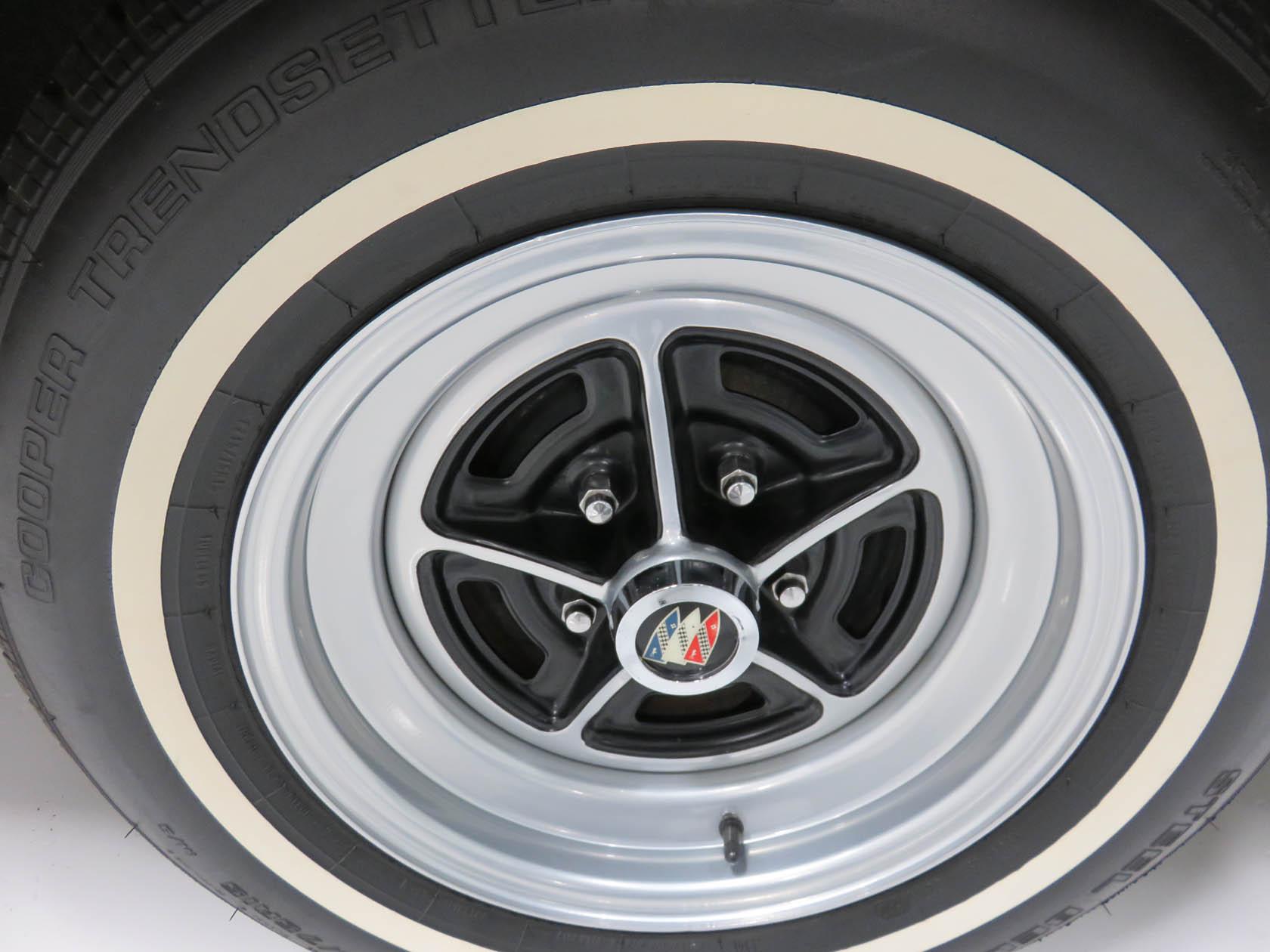 Michael Esposito - 1974 Oldsmobile Cutlasss Supreme 513